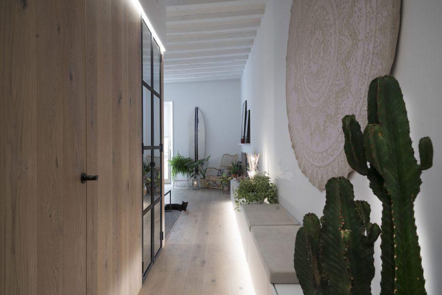 casa reformada pavimento madera materiales naturales passivhaus