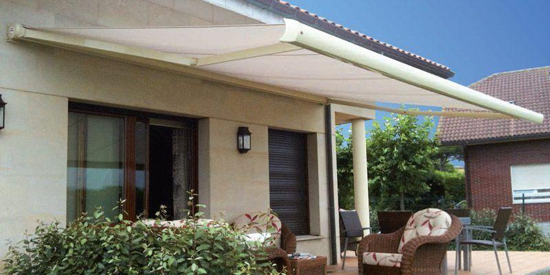 Un toque decorativo en tu terraza con un toldo 3