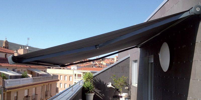 Un toque decorativo en tu terraza con un toldo 4