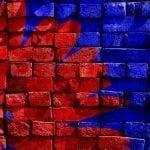 consejos-usar-fotos-webs-conseguir-trafico_muro-azul-rojo