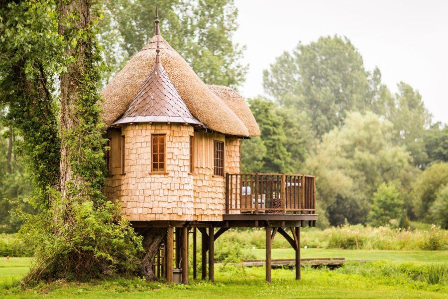 beneficios-criterios-construir-casa-ecologica-madera-paja-bosque-elevada