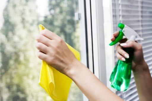 5 trucos para limpiar los cristales y que queden perfectos