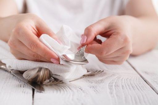 5 trucos eficaces para limpiar la plata