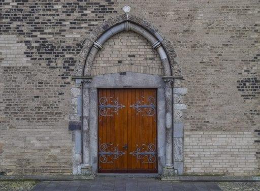 Las puertas rusticas la opcion decorativa en alza