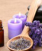 aceite esencial de lavanda aceite de lavanda y flores